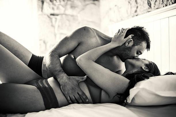 Позы сексе постели чтобы свести сума мужчину